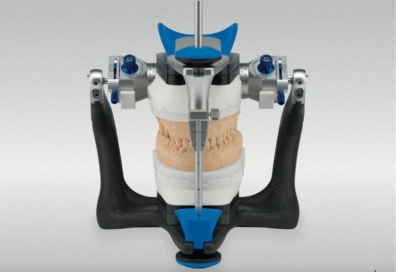 Artikulator - Naprava u koju se unose modeli vilica kako bi se izvrsila simulacija pokreta donje vilice